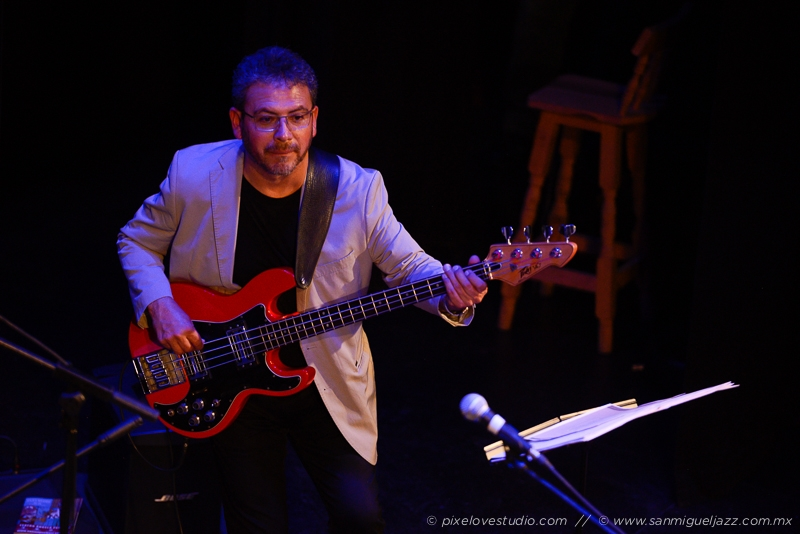 Nov 16 | Chris Bergson Blues Band & Ellis Hooks